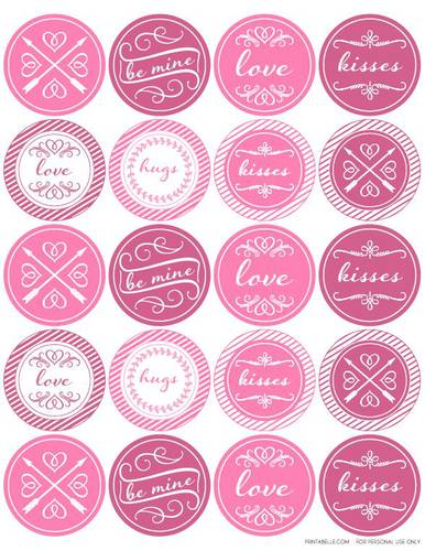 Round Valentine\'s Day Themed Printable Label Design.