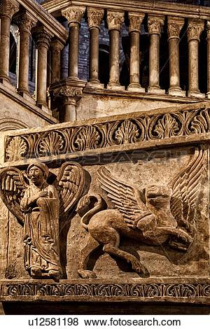 Pictures of Church complex of Santo Stefano: central pulpit of.
