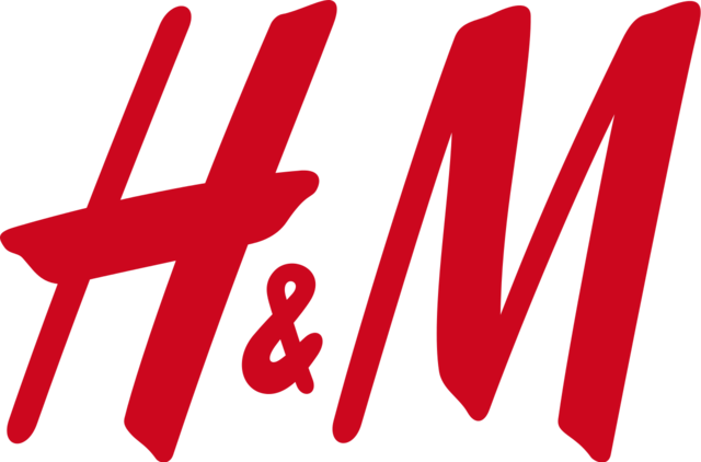 H&M clothing store opening at Valley Plaza Mall in 2018.