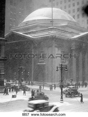 Picture of 1930S Girard Bank Building Philadelphia Pa Pedestrians.