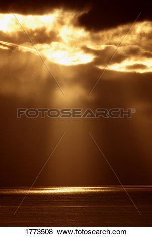 Pictures of Sun breaking through clouds 1773508.