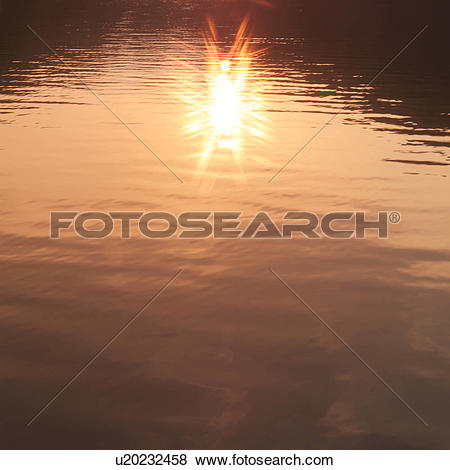 Pictures of Sunlight reflected on water surface u20232458.