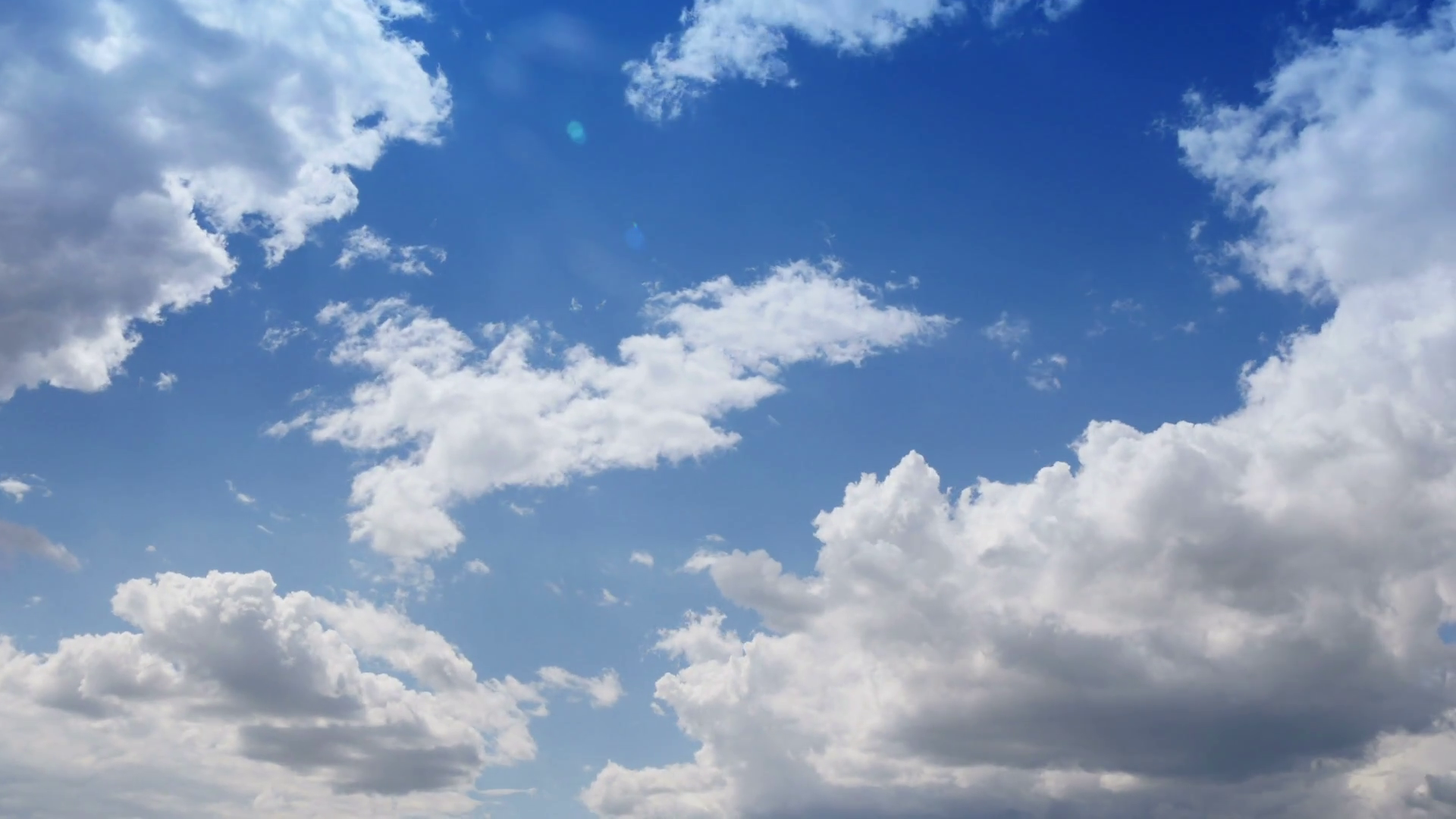 sun comes out of the clouds, sunny sky, taymlaps Stock Video Footage.