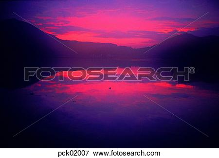 Picture of lake, mountain, sunrise, sunset, river, lake, nature.