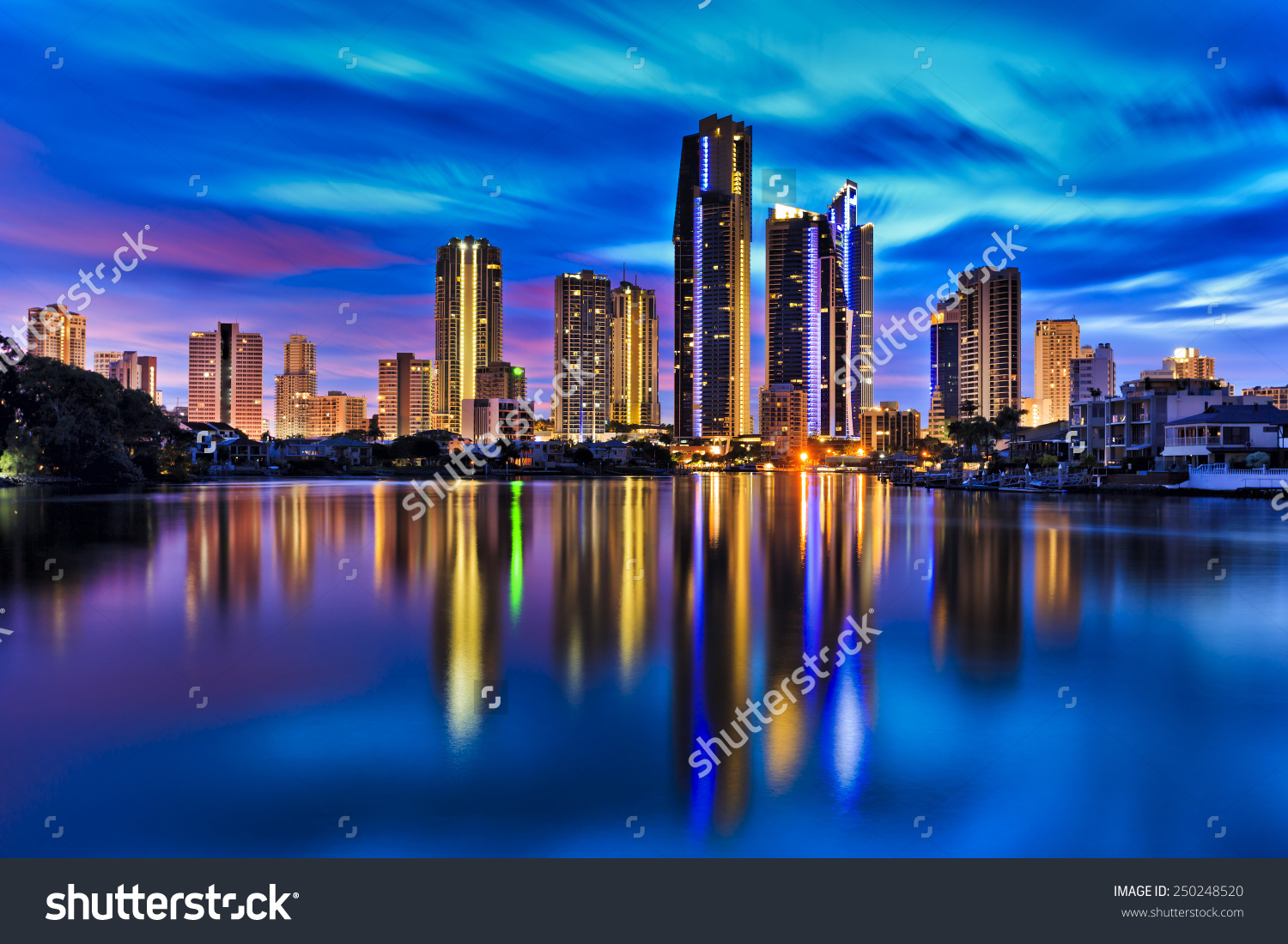 Australia Gold Coast Surfers Paradise City Stock Photo 250248520.