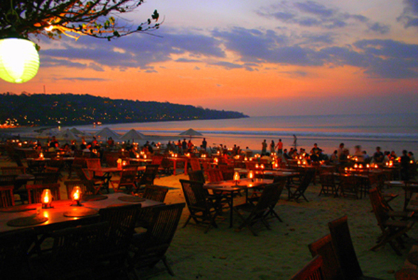 11 incredibly gorgeous places to catch sunset in Bali.