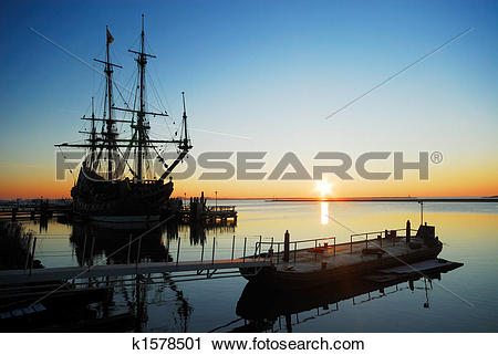 Stock Photography of old ship at night k1578501.