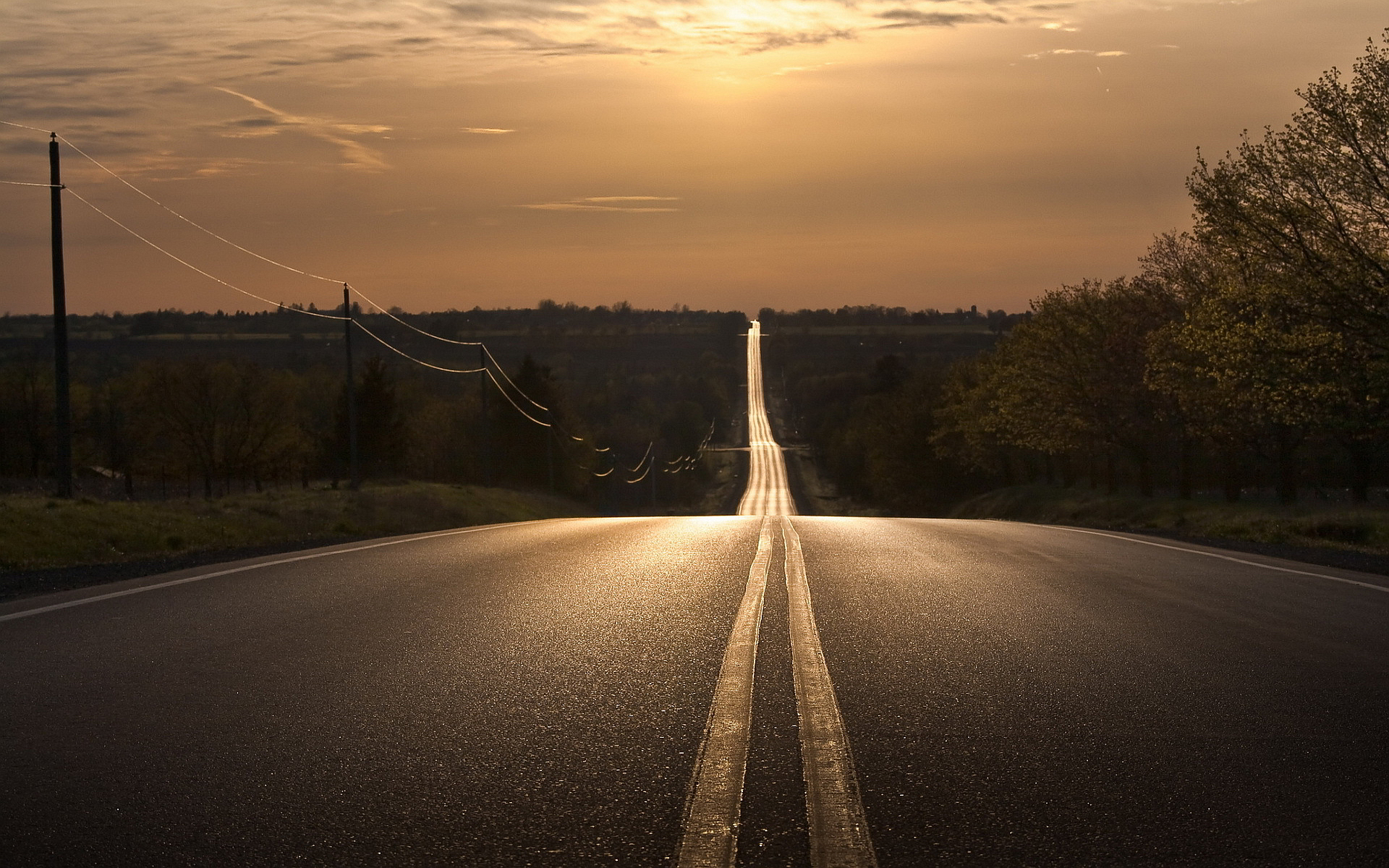 Straight Road Into Sunset Clipart Free.