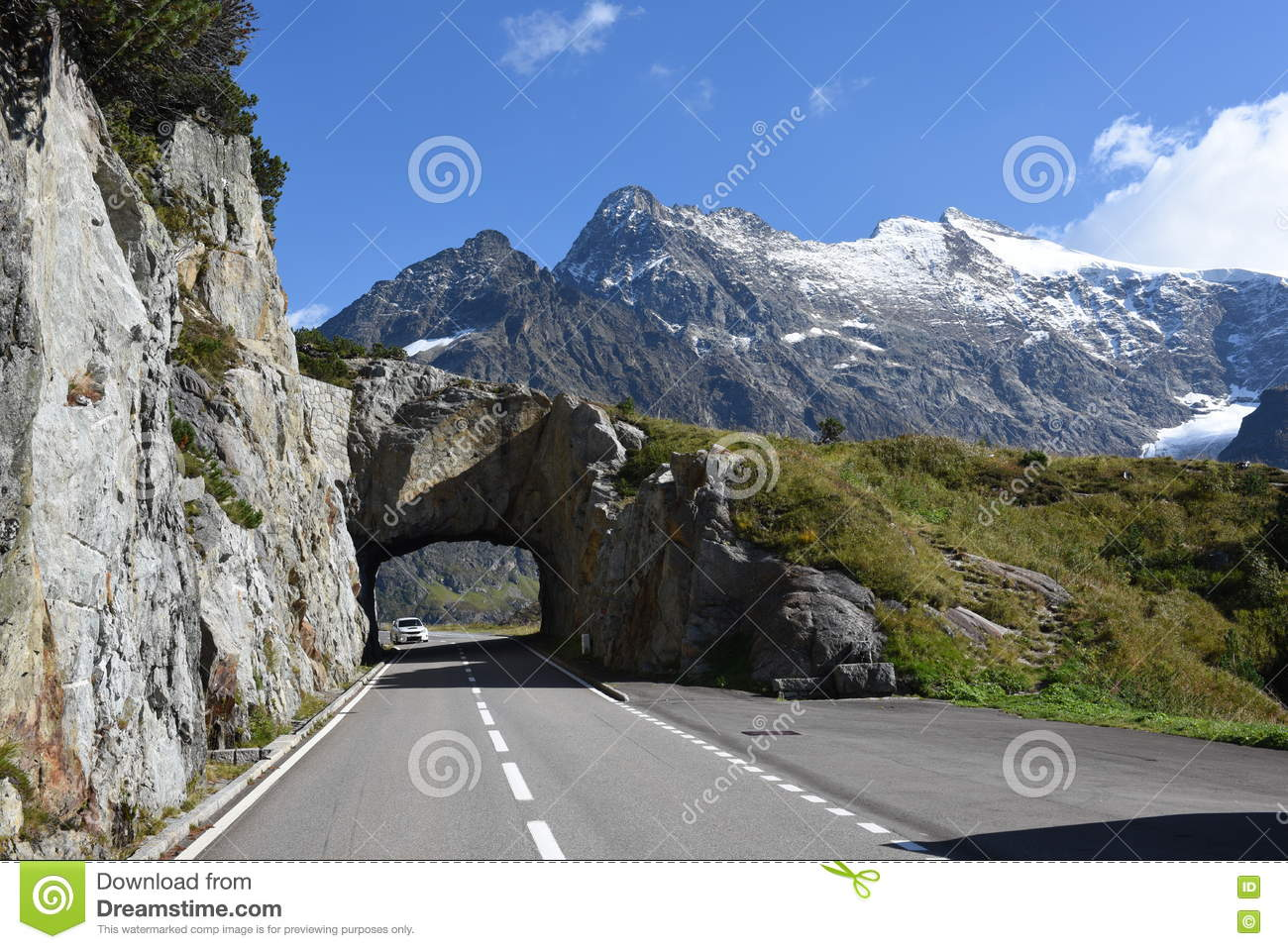 The Road To Susten Pass On The Swiss Alps Editorial Photography.