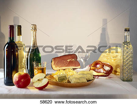Stock Photography of Arrangement of swabian pasta with bacon.