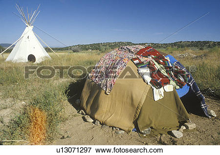 Picture of Sweat Lodge and teepee u13071297.