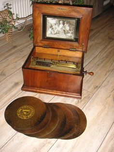 Antique Victorian Symphonion disc music box..