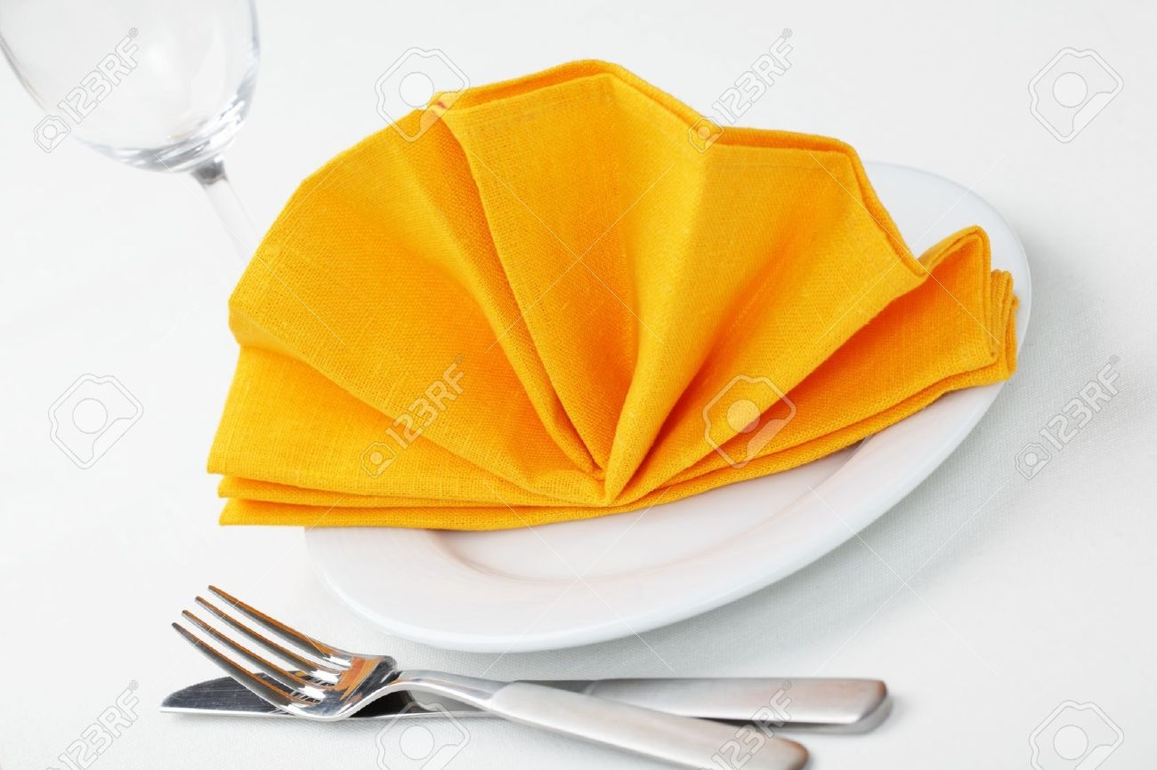 Place Setting Clipart With Napkin.