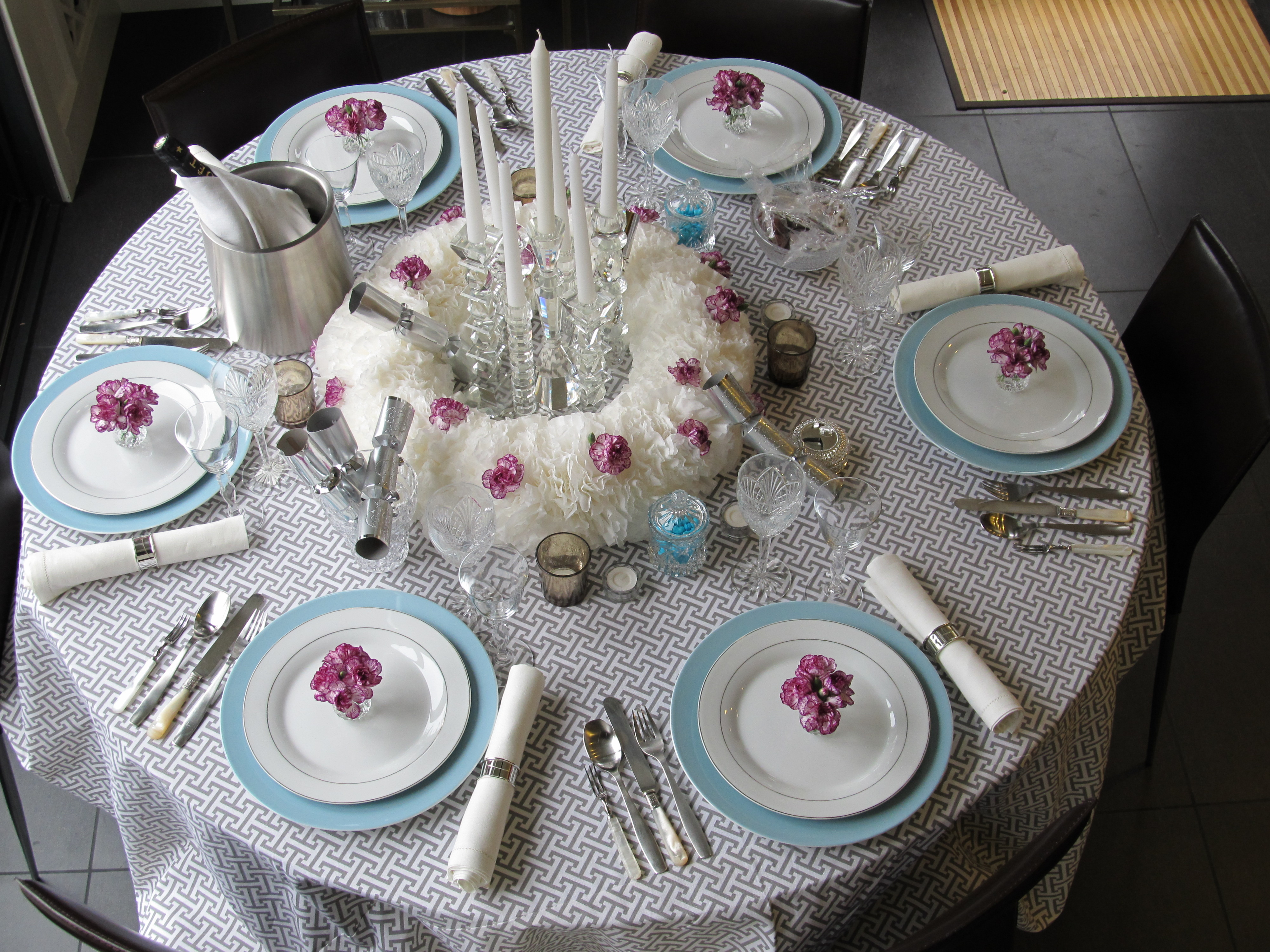 Elegant luncheon table settings clipart.