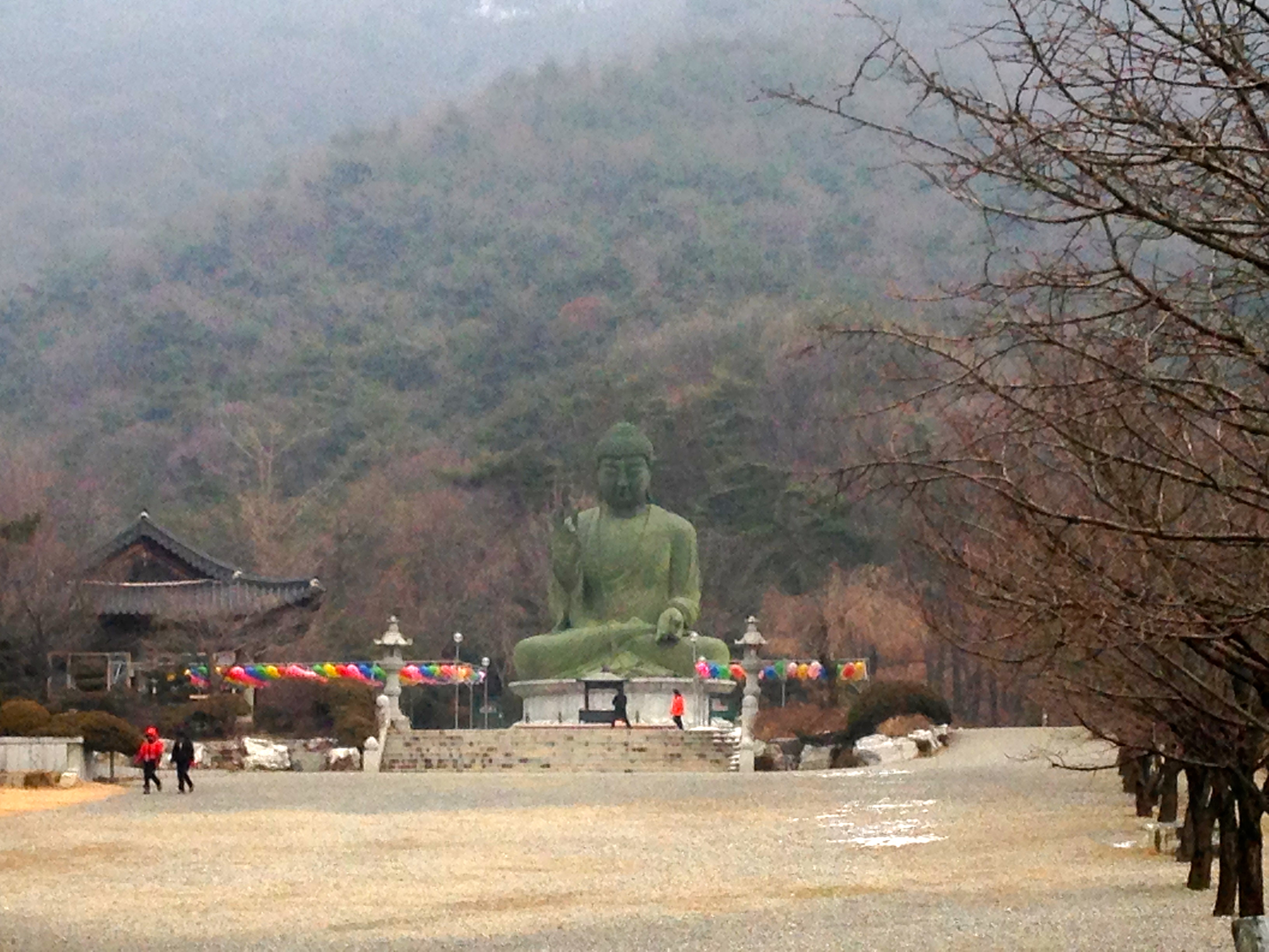 Gakwonsa Temple and Mt. Taejo.