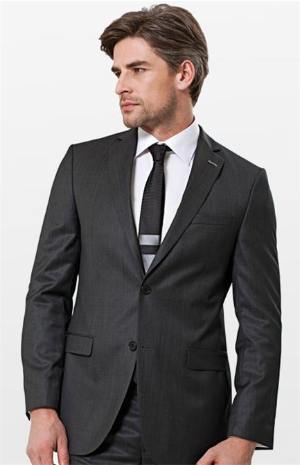 Gri Klasik Erkek Takım Elbise.