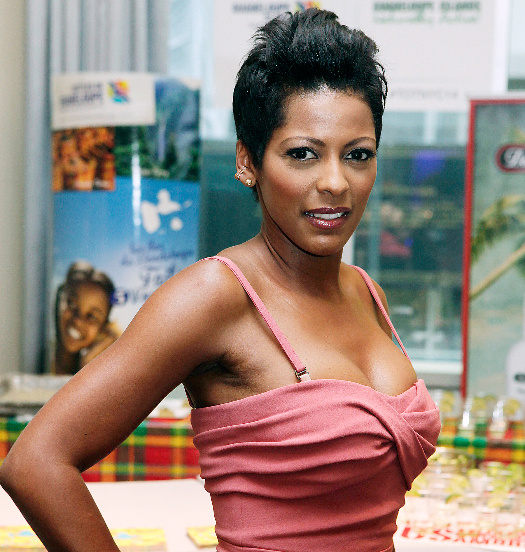Tamron Hall 2017: dating, smoking, origin, tattoos & body.