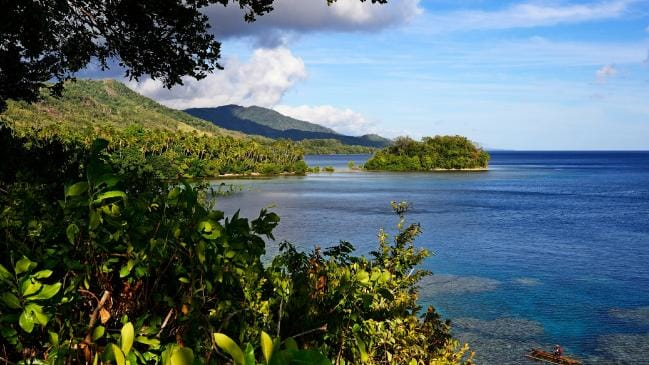 Papua New Guinea tourists held up in armed raid at Tawali Resort.