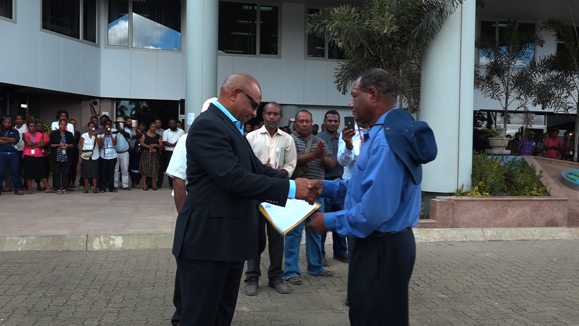 Telikom PNG Staff Present Petition to Government Over.