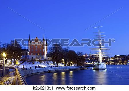 Stock Photography of Wonderful winter night wiev of the Admiralty.