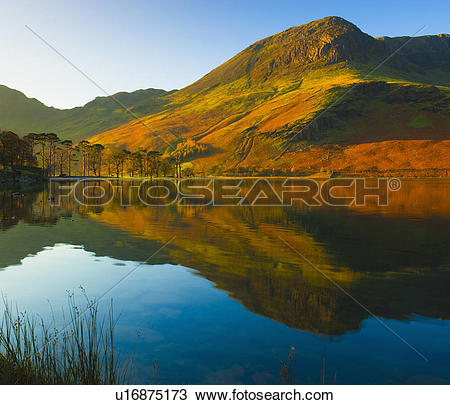 Stock Photo of England, Cumbria, Lake Buttermere, The surrounding.