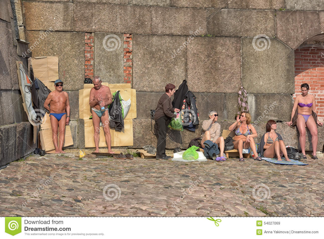 Sunbathing At The Peter And Paul Fortress Editorial Stock Image.