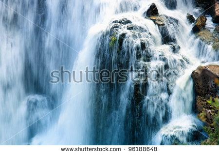 Waterfall Close Up Lizenzfreie Bilder und Vektorgrafiken kaufen.