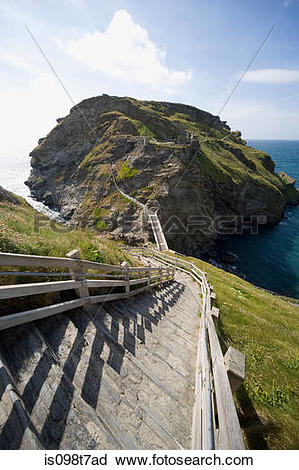 Stock Photography of Tintagel castle in cornwall is098t7ad.