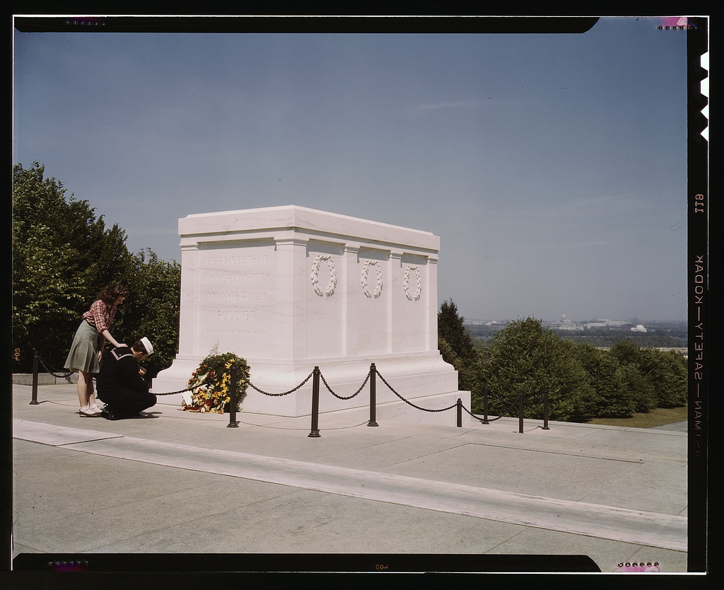 Memorial Day Tomb of the Unknown Soldier Public Domain Clip Art.