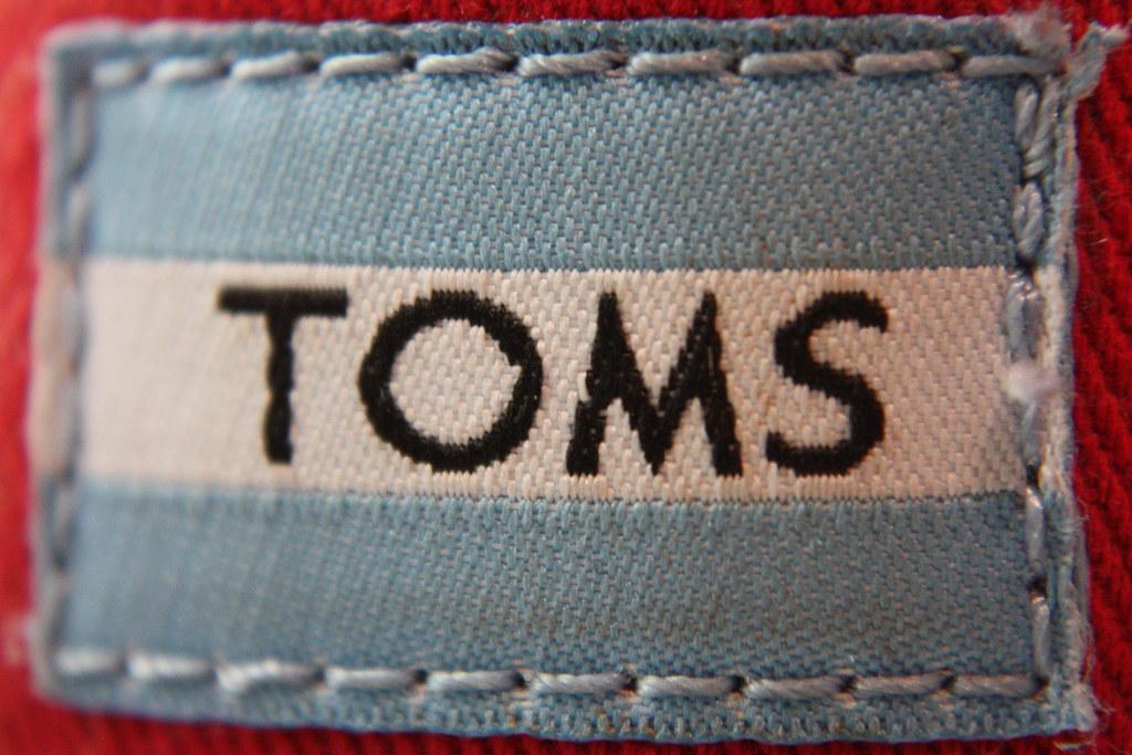 Toms Logo.