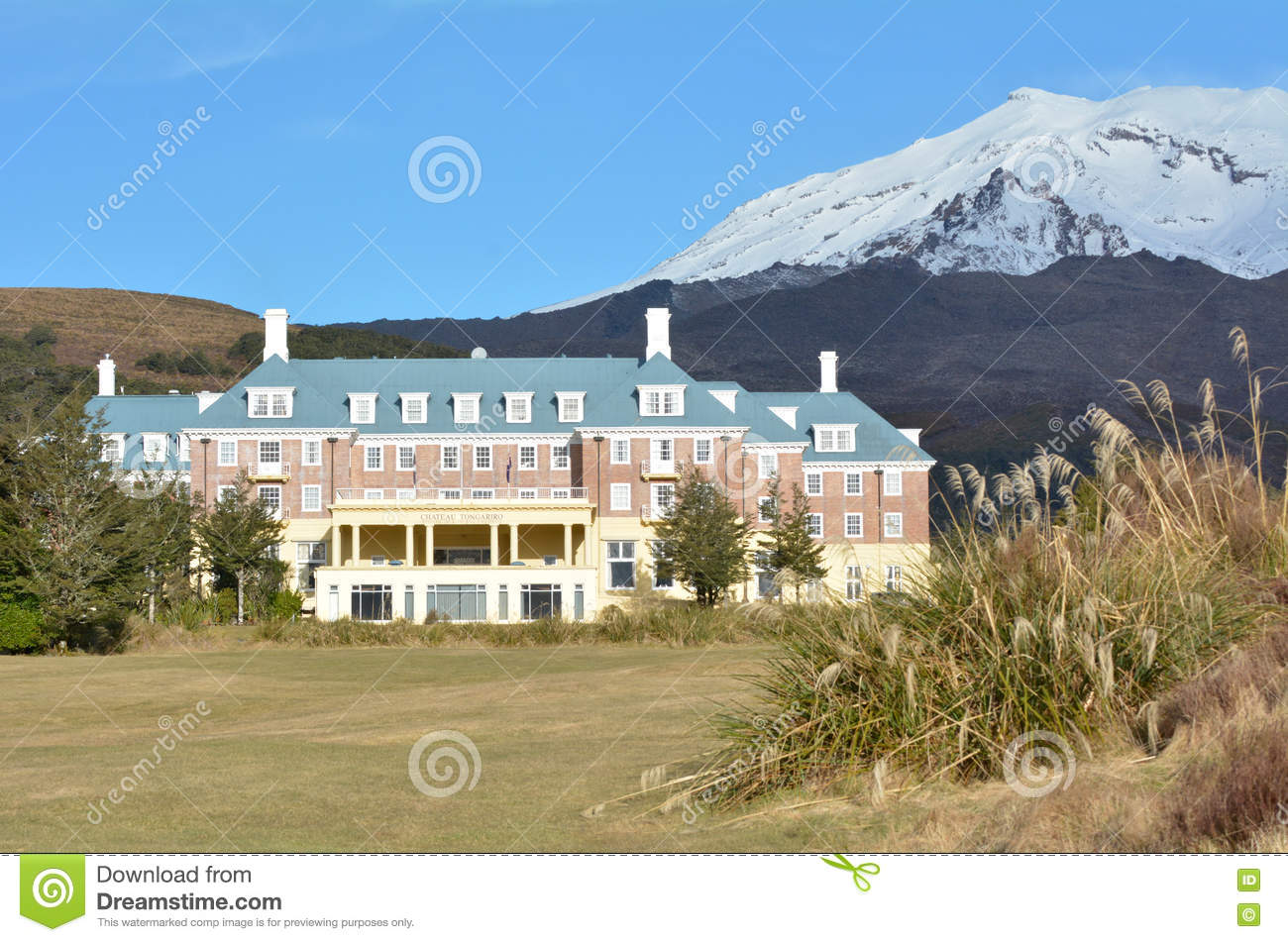 Mount Ruapehu And The Chateau In Tongariro National Park Stock.