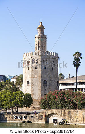 Pictures of Torre del Oro (Tower of Gold) in Sevilla, Spain.