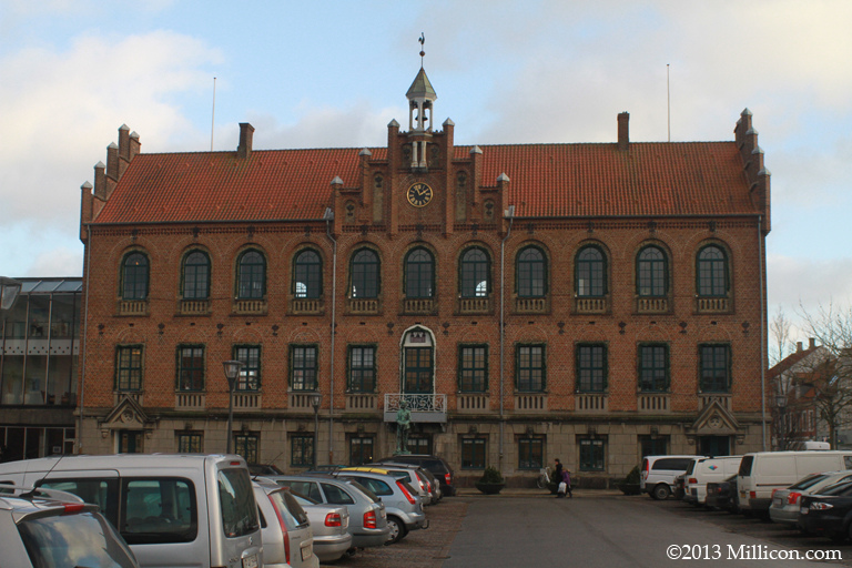 Nyborg Rådhus / Nyborg Town Hall.