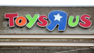 Toys R Us Relaunches Website, Directs Customers to Target.