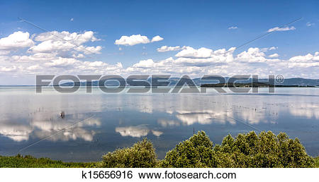 Stock Images of Lake Trasimeno in Umbria, Italy k15656916.