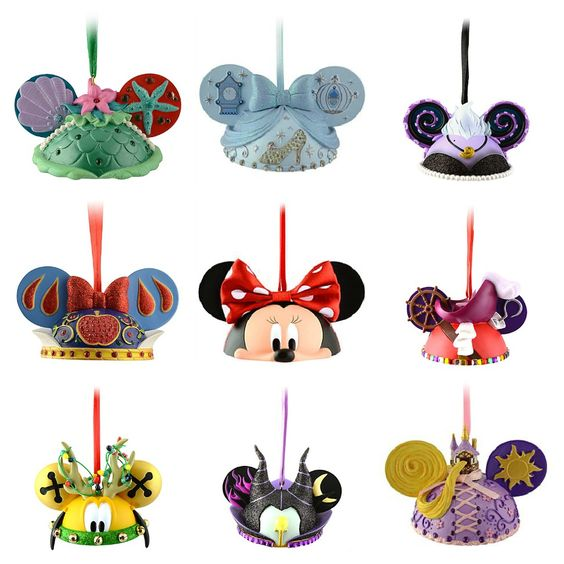 Who wouldn't love a Disney Christmas tree? Mickey Ears ornaments.