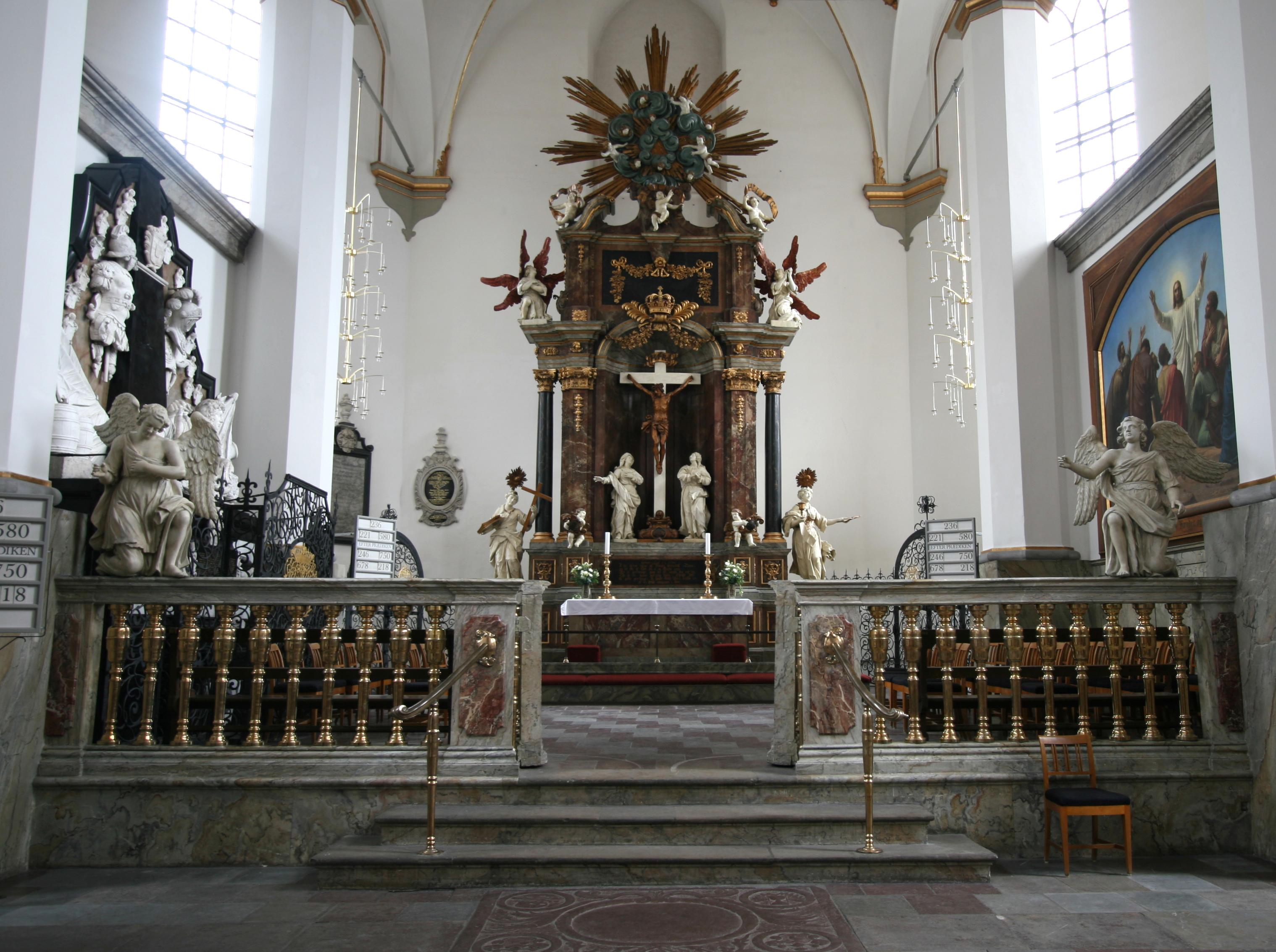 File:Trinitatis Kirke Copenhagen quire.jpg.