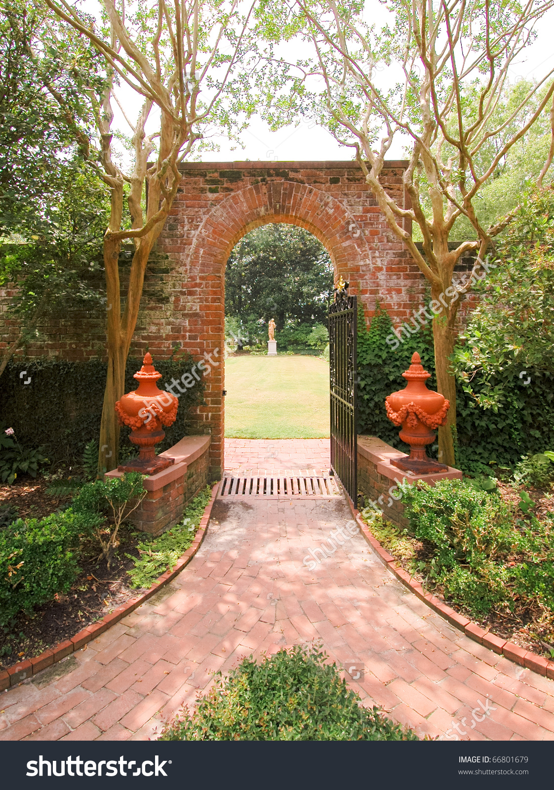 Tryon Palace State Historic Site Brick Arch And Path Stock Photo.