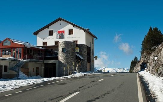 Hotel, Restaurant.