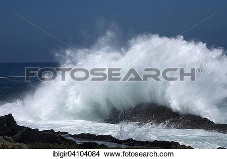 Stock Photo of Big waves in the Tsitsikamma National Park, South.