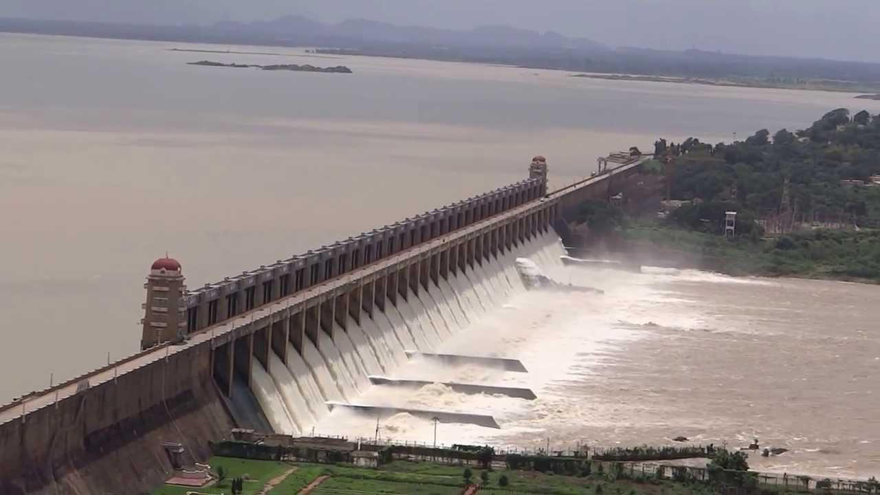 Tungabhadra Dam Overflow.