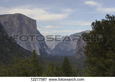 Picture of Yosemite Valley from Tunnel View, Yosemite National.
