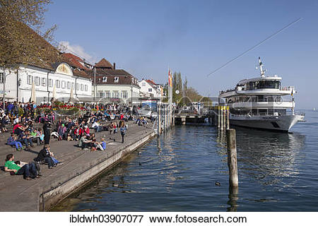 """Picture of """"Grethhaus on the lakeside promenade with a pier."""