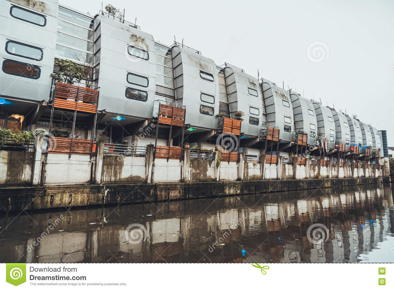 Grand Union Canal Walk Houses In Camden, London Stock Photo.