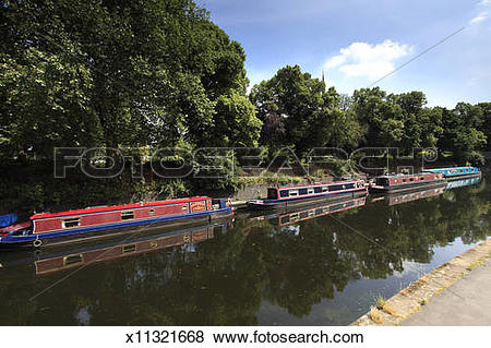 Pictures of Narrowboat moorings, Grand Union Canal, Leicester.