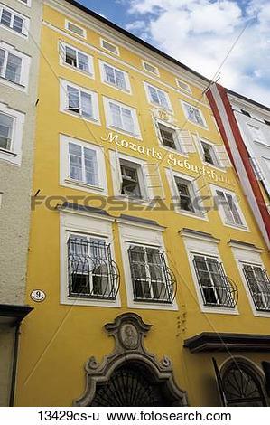 Stock Images of Austria, Salzburg, Mozart´s birth house 13429cs.