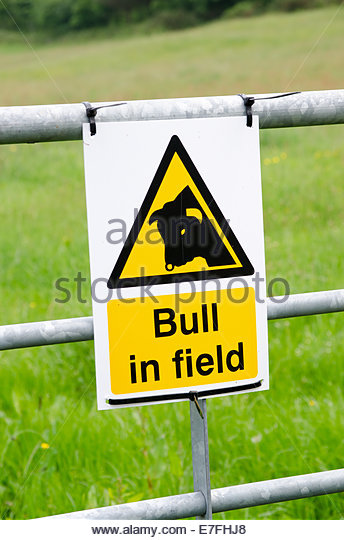 Cattle Crossing Sign Stock Photos & Cattle Crossing Sign Stock.