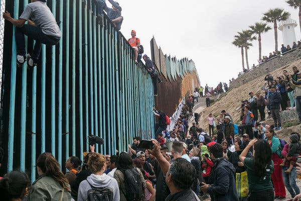 Beyond the Wall at Mexico\'s Border: Six Photojournalists.