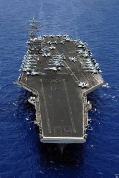 portaviones USS Dwight D. Eisenhower ….