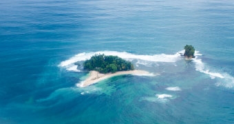 Surf Accommodation, Surf Lodge, Papua New Guinea.